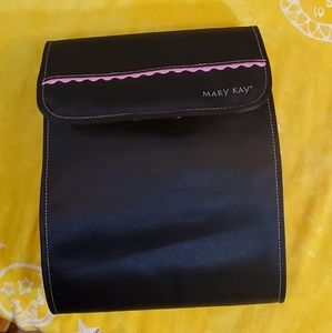 Mary Kay Hanging Toiletry Bag